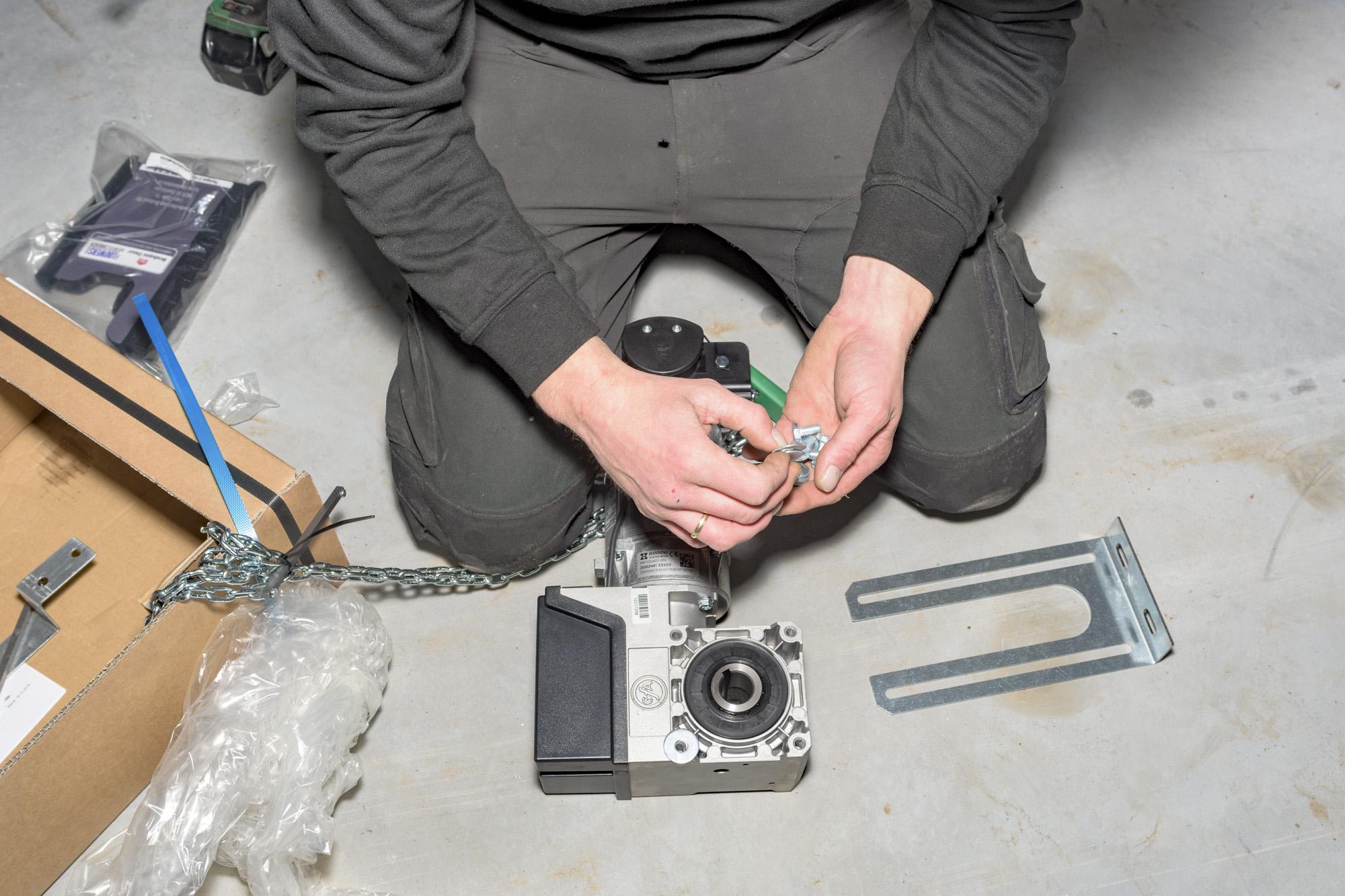 Montage, onderhoud en reparatie van bedrijfsdeuren en garagedeuren   Deurtechnieken Brabant BV