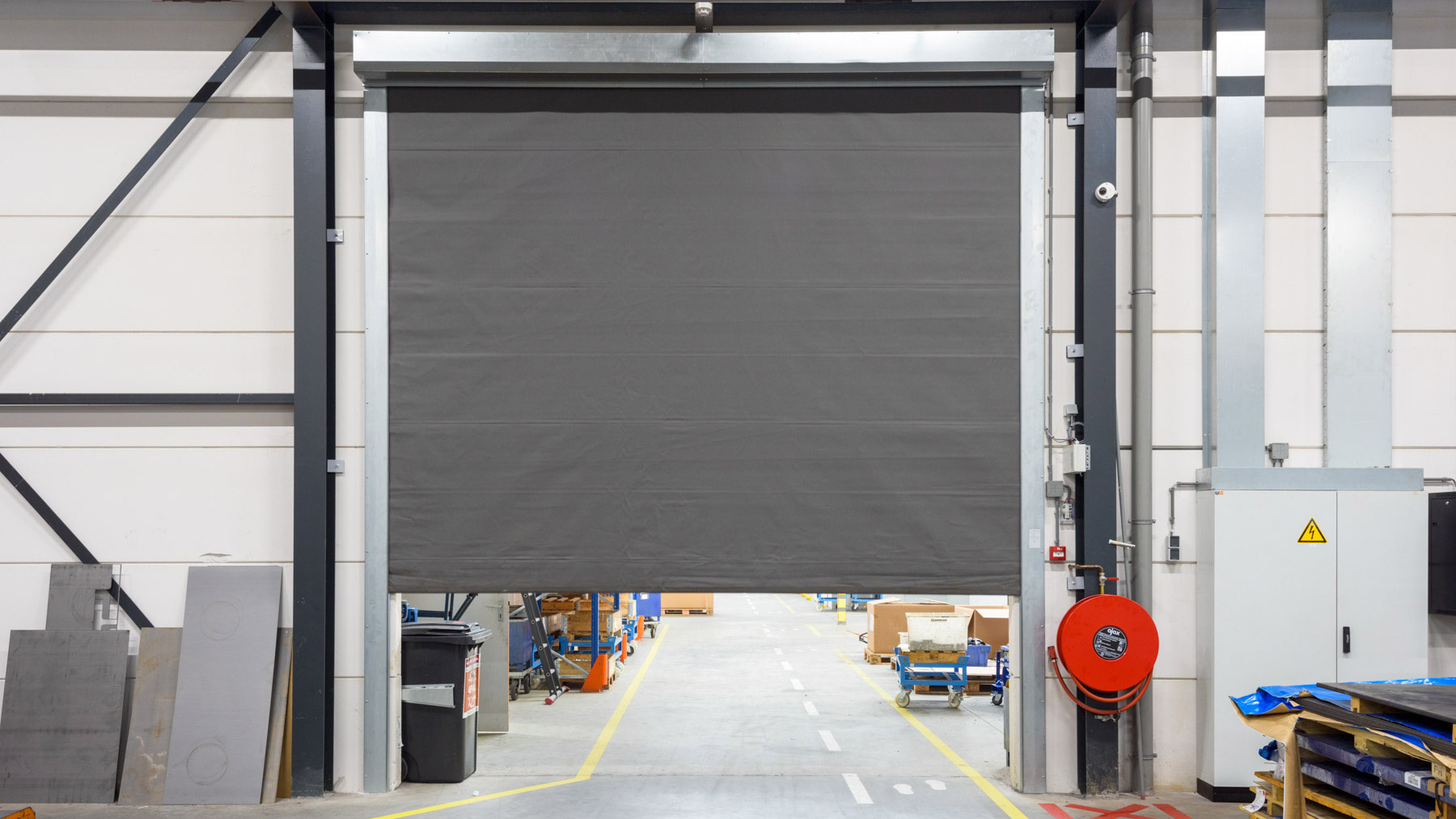 Bedrijfsdeuren: Brandwerend screen | Louwers Deurtechnieken