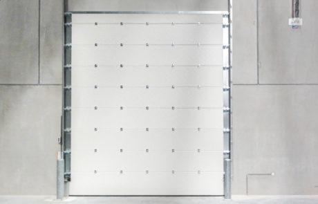 BEDRIJFSDEUREN: Brandvertragende Overheaddeur voor bedrijven en industrie | Louwers Deurtechnieken