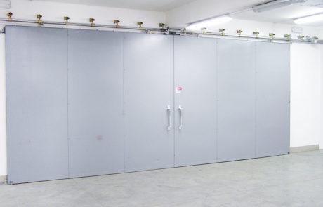 BEDRIJFSDEUREN: Brandwerende schuifdeur voor bedrijven en industrie | Louwers Deurtechnieken