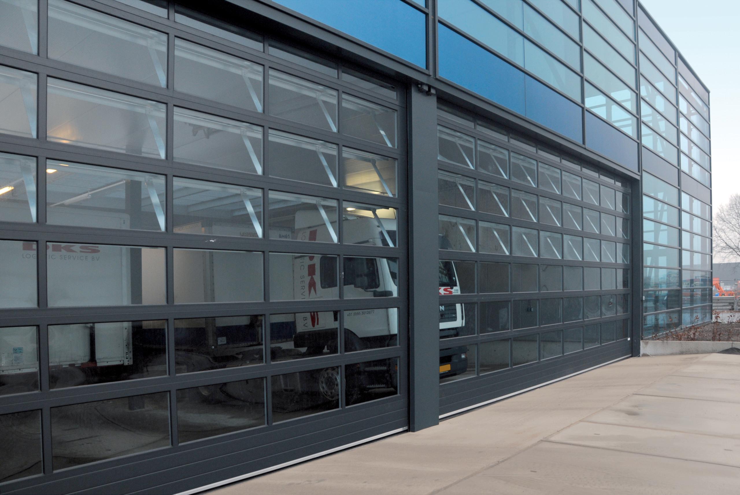 PRO-LINE aluminium overheaddeur | Louwers Deurtechnieken